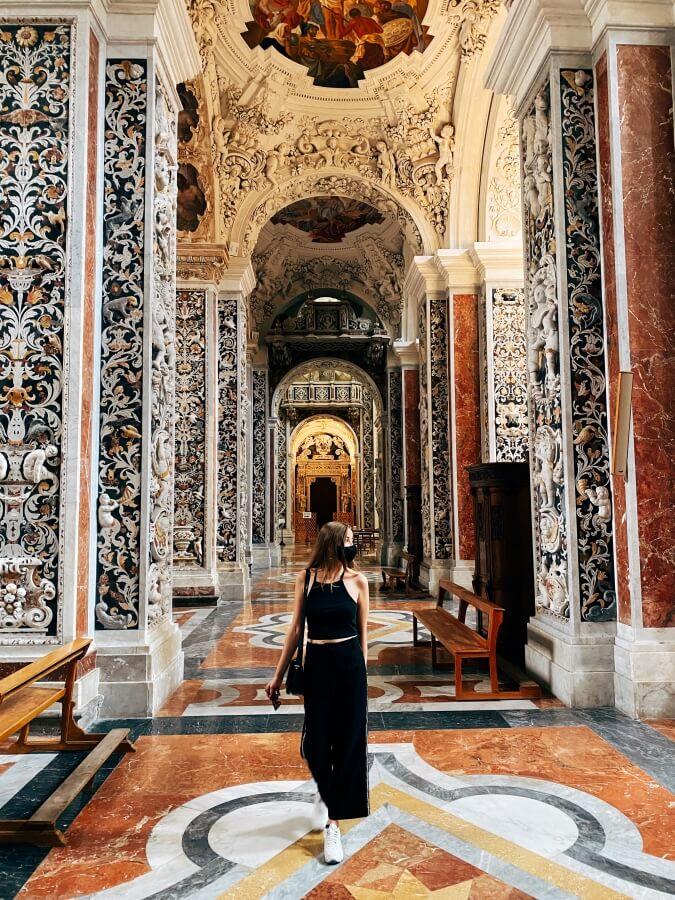 przepiękne wnętrze kościoła w Palermo