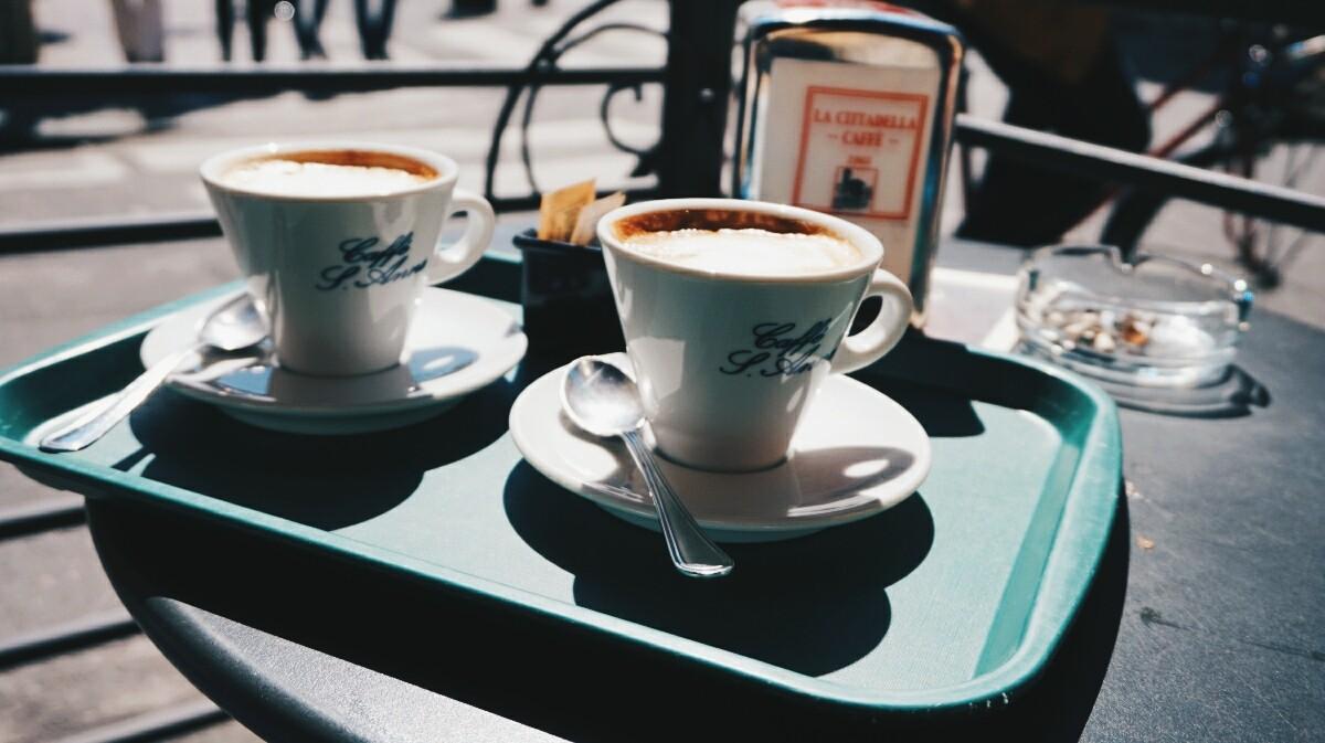 Przerwa na kawę w Pizie