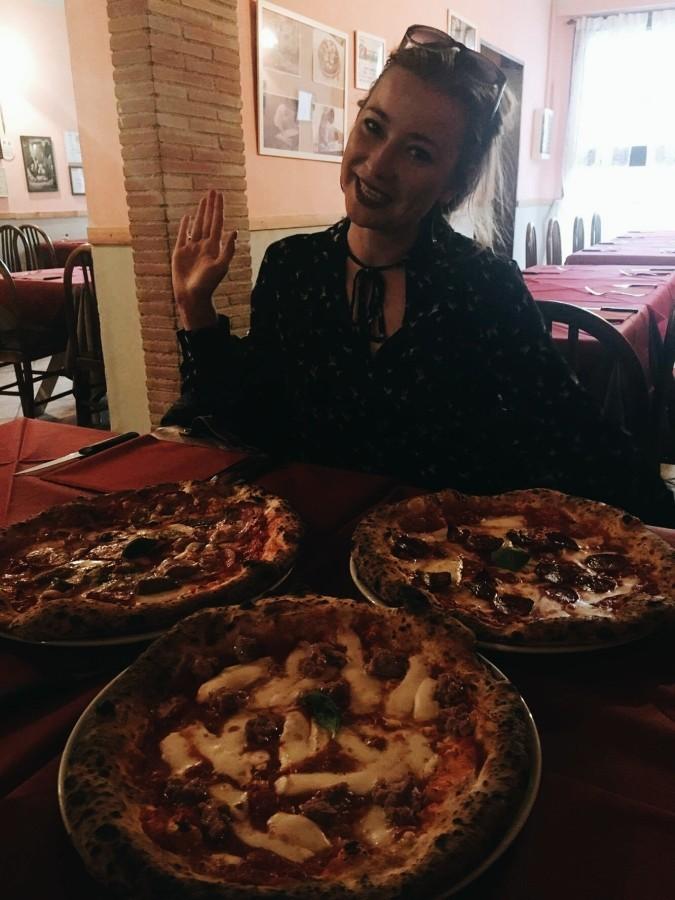Pizza w L'arciere w Pizie