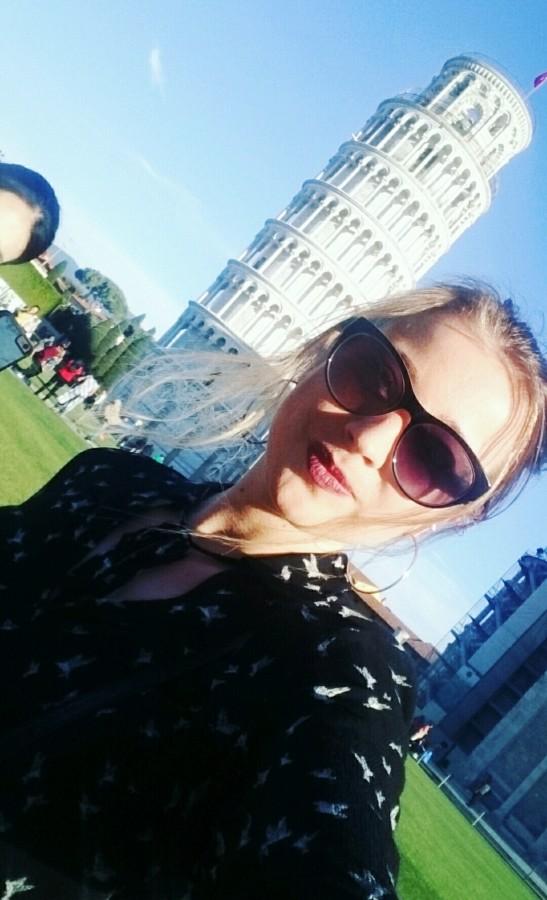 Selfie z Krzywą Wieżą w Pizie