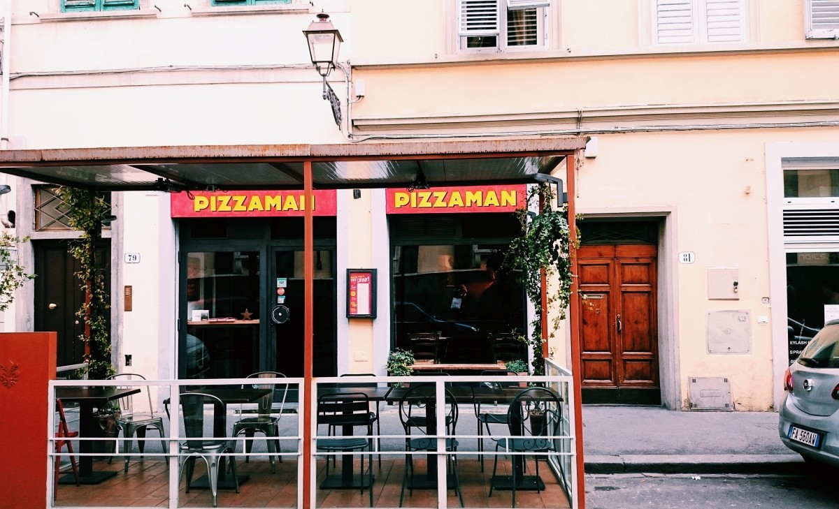Restaurant Pizza man in Florence