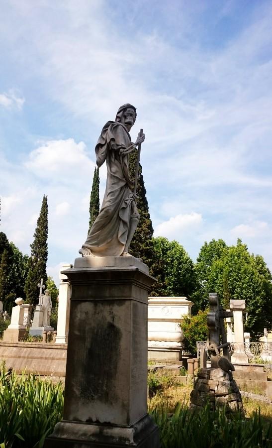 Posąg śmierci z kosą na cmentarzu Anglików we Florencji