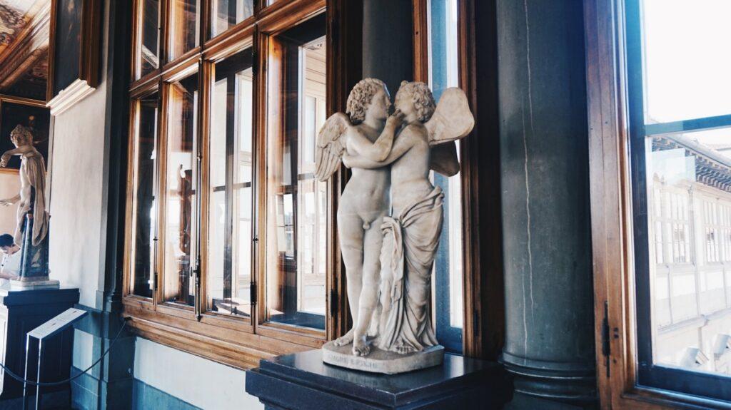 Rzeźba Aniołów w Galerii Uffizi