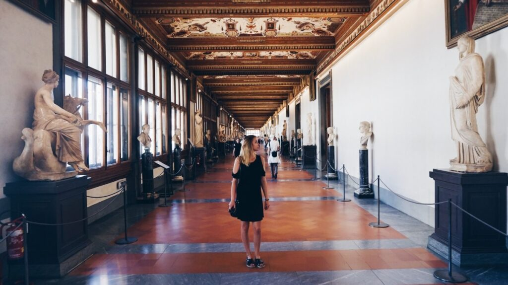 Pizzagirlpatrol in the Uffizi Gallery in Florence