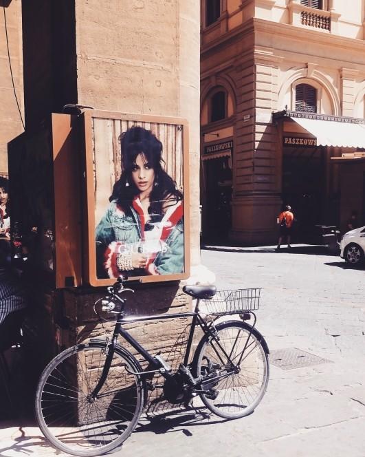 Reklama Guessa we Florencji