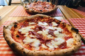 pizza neapolitańska w pizzerii Francesco w Gdyni