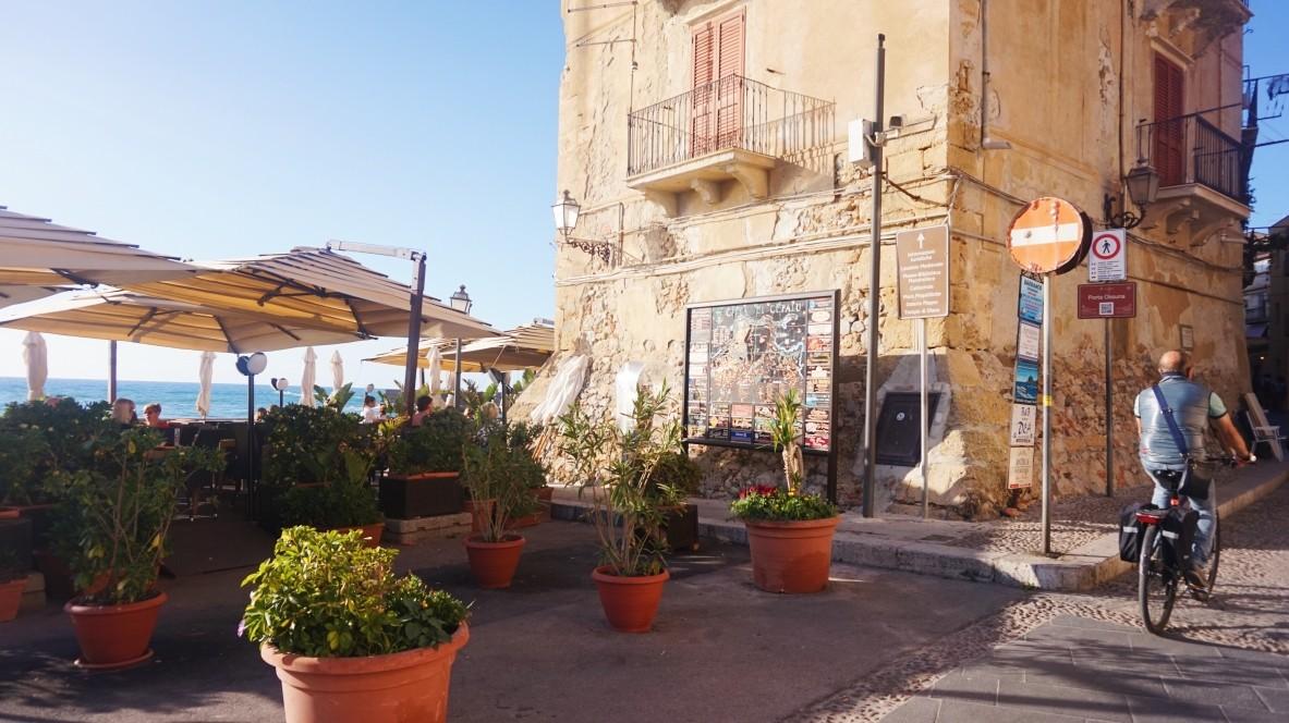 Włoskie la dolce vita w Cefalu