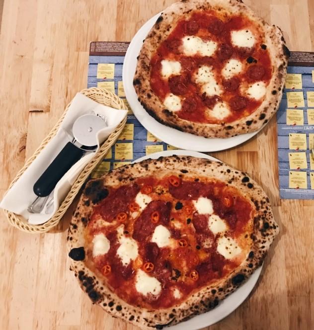 Pizza neapolitańska w Piecu na Szewskiej
