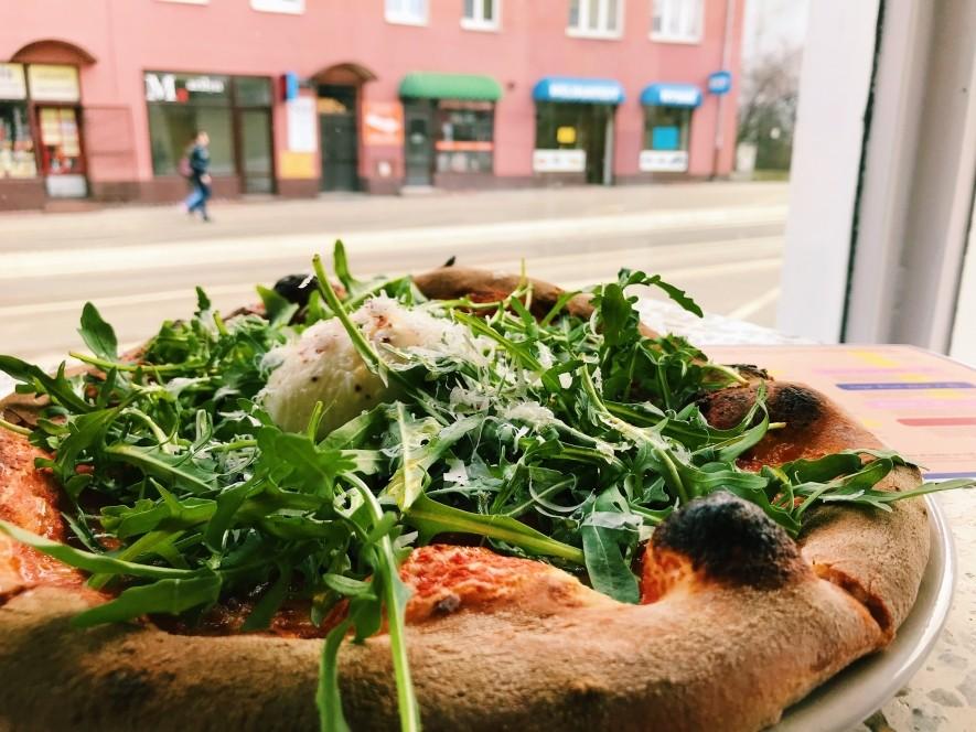 Pizza kalifornijska w Poznaniu