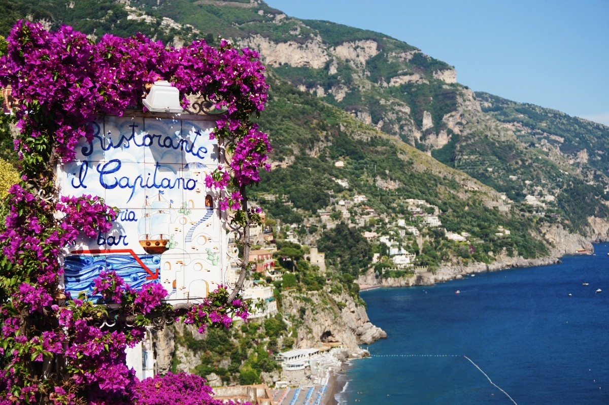 Colorful flowers in Positano
