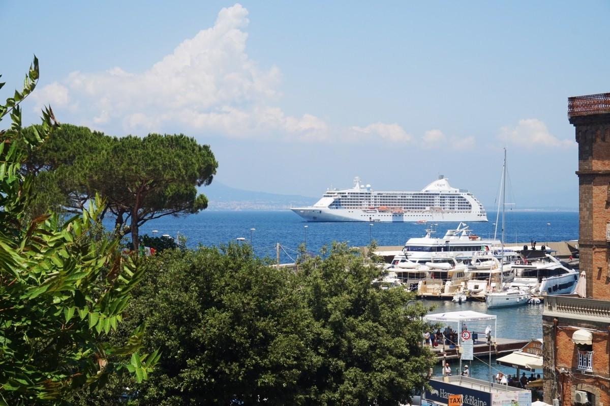 Ferries in Sorrento