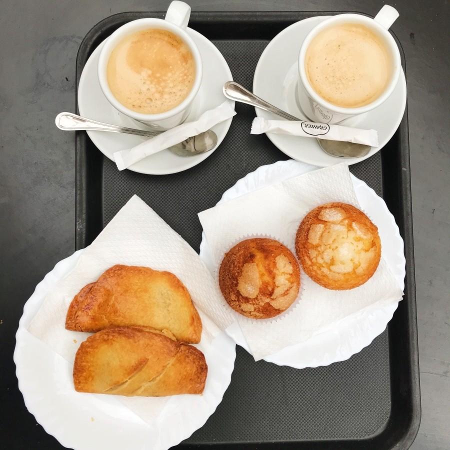 Ciastko i kawa w Walencji